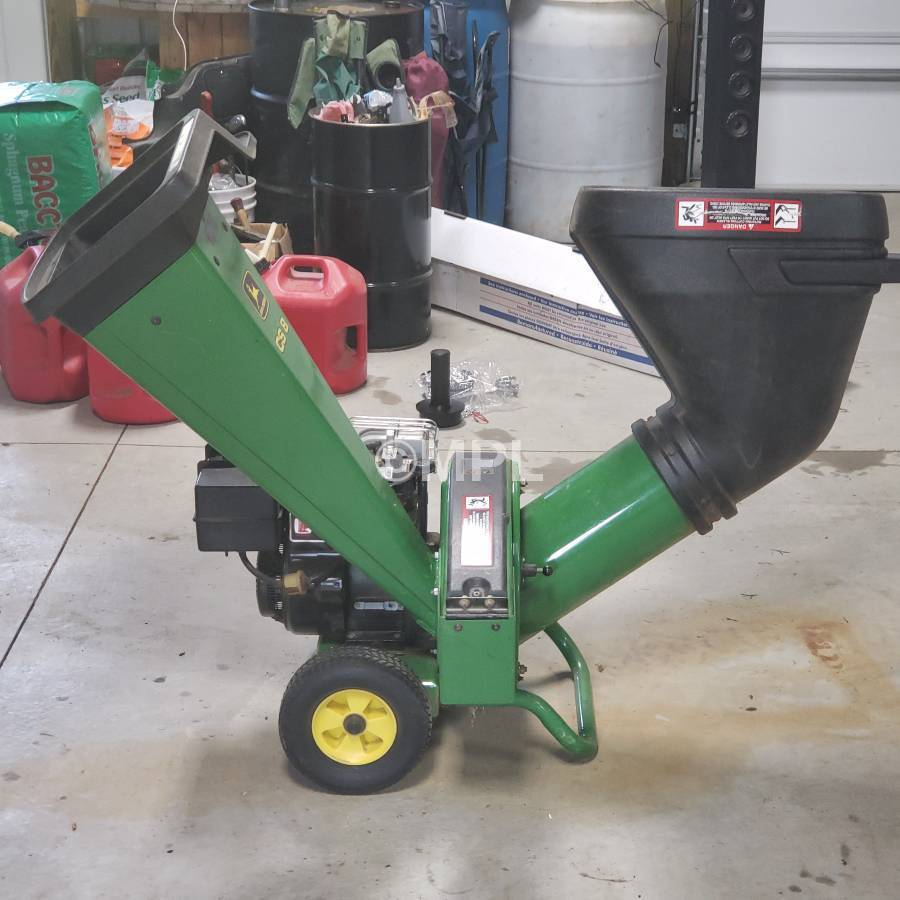 john deere cs8 chipper review