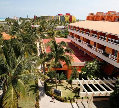 occidental arenas blancas cuba reviews
